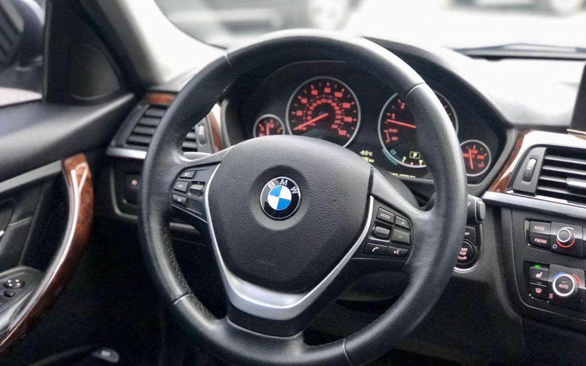 BMW 328 Xdrive 2015 фото №14