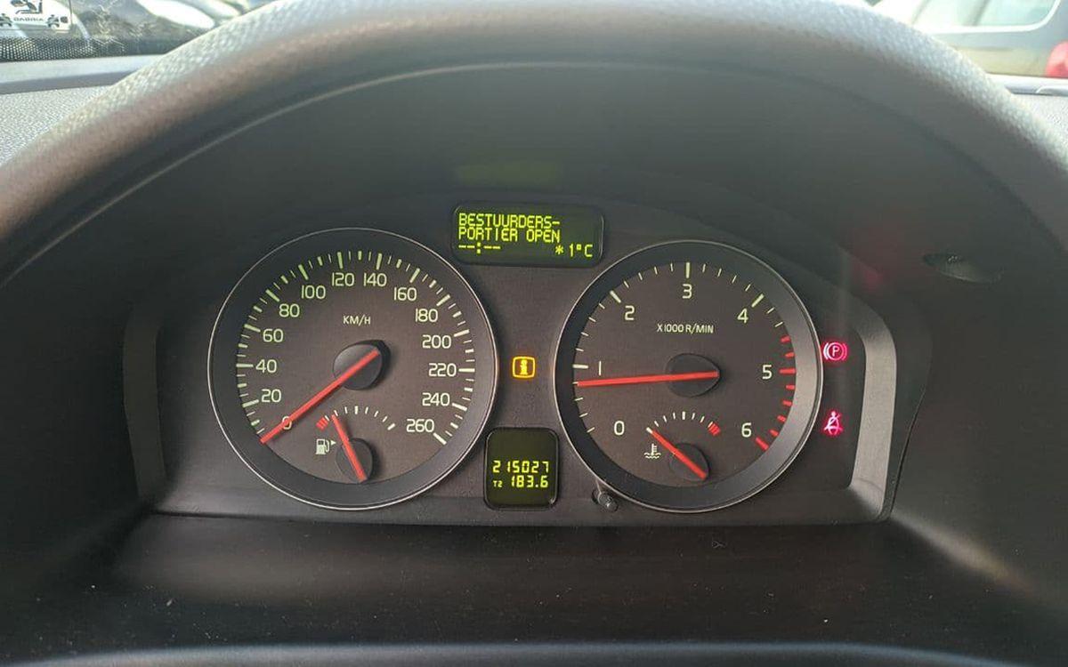 Volvo V50 2010 фото №17