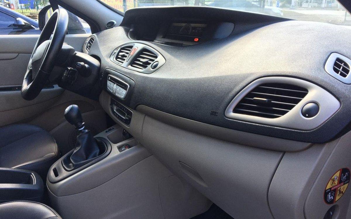 Renault Megane Scenic 2009 фото №13