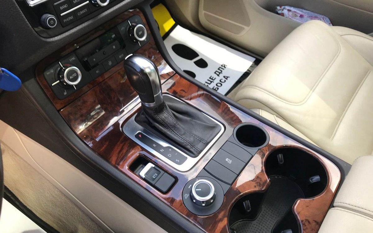 Volkswagen Touareg 2011 фото №16