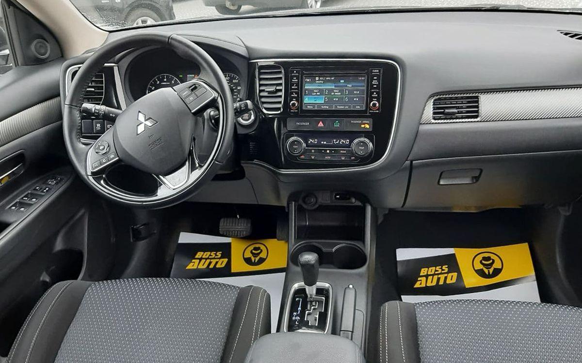 Mitsubishi Outlander SE 2016 фото №16