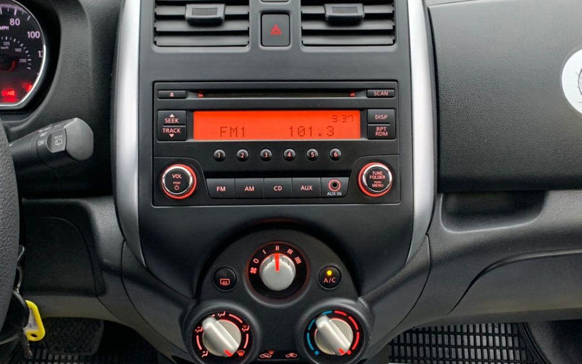 Nissan Versa 2014 фото №11