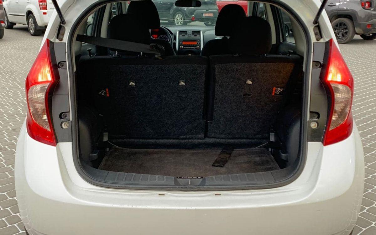 Nissan Versa 2014 фото №15