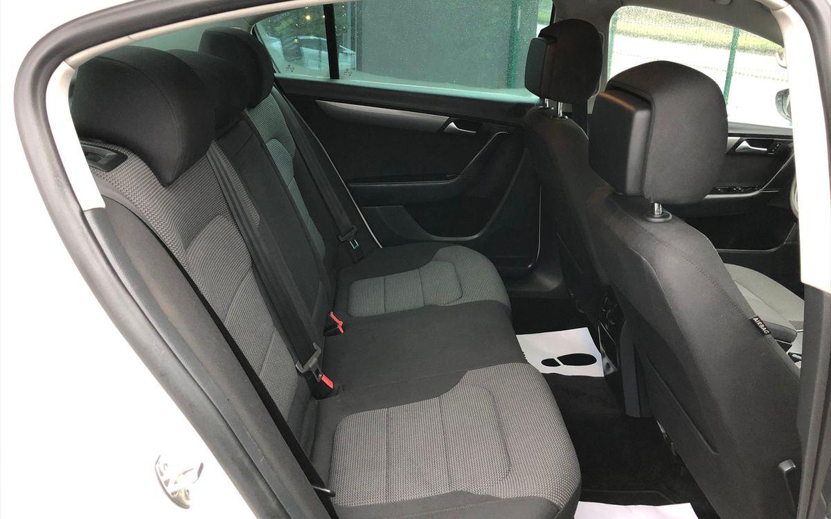 Volkswagen Passat 2014 фото №12