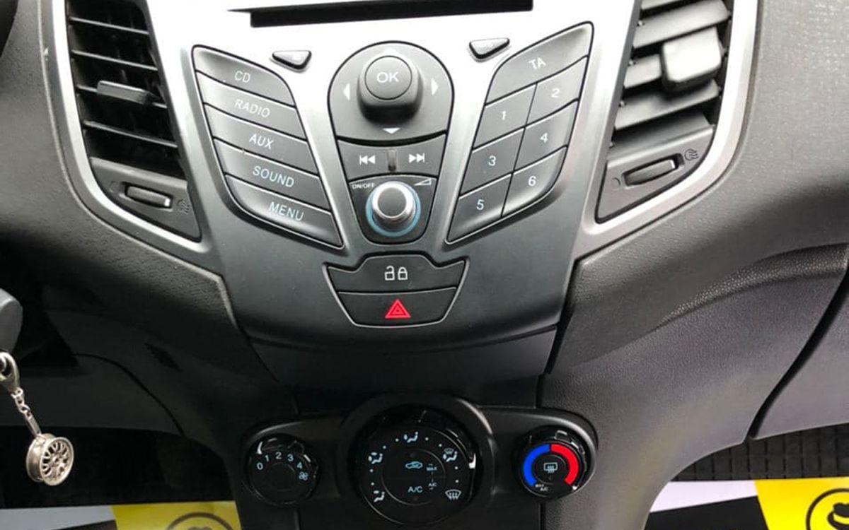 Ford Fiesta 2013 фото №11