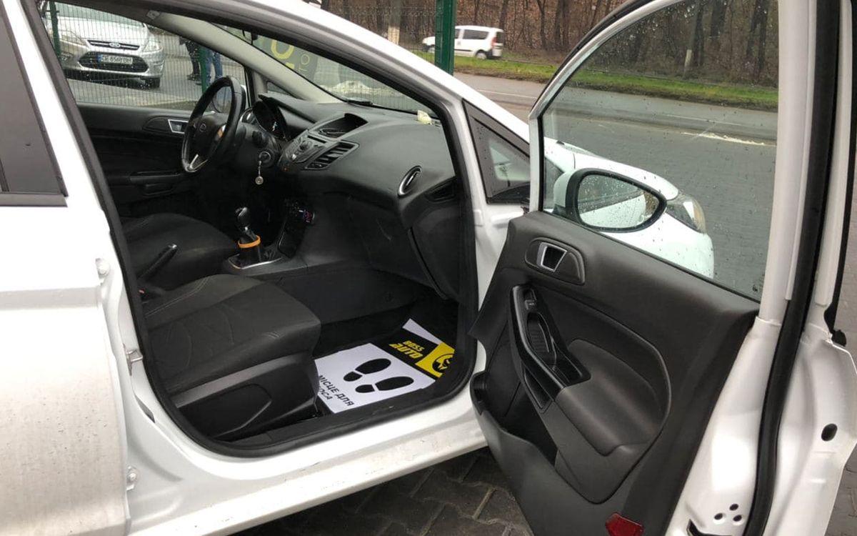 Ford Fiesta 2013 фото №12