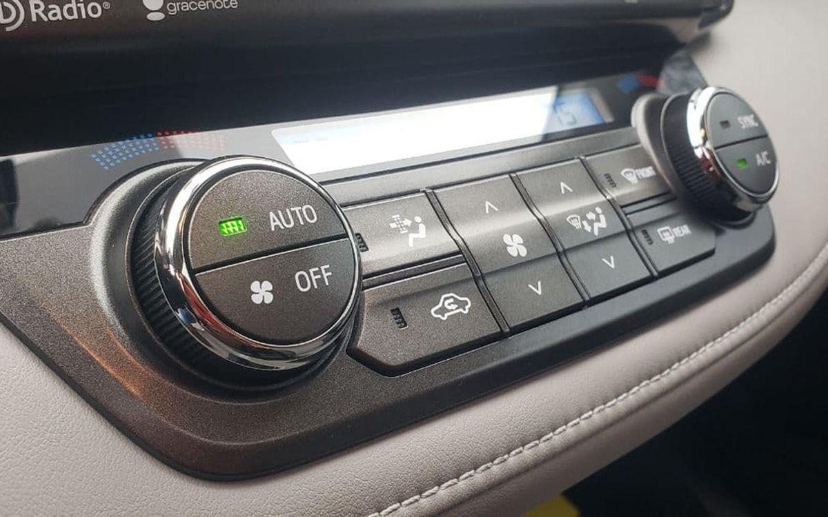 Toyota RAV4 2015 фото №10
