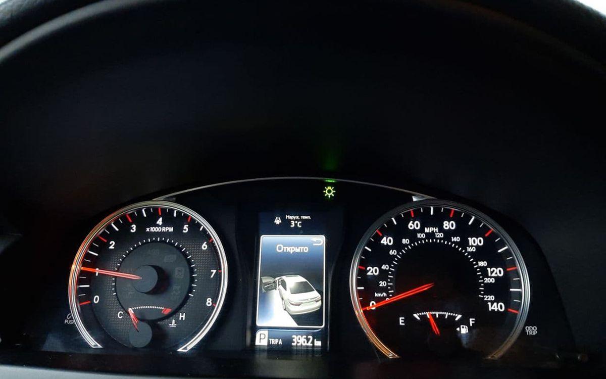 Toyota Camry 2015 фото №17