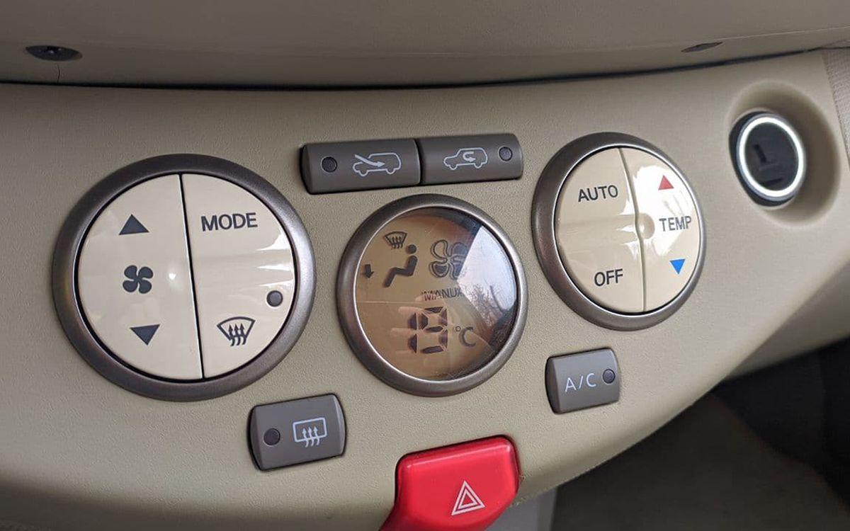 Nissan Micra 2003 фото №12
