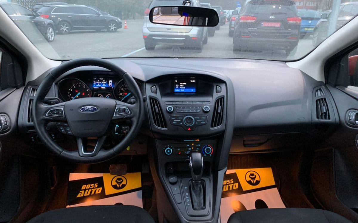 Ford Focus 2018 фото №8