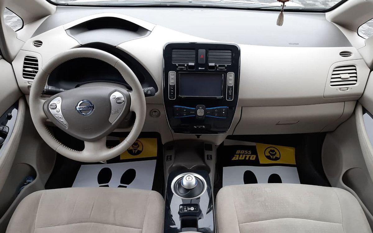 Nissan Leaf 2012 фото №8