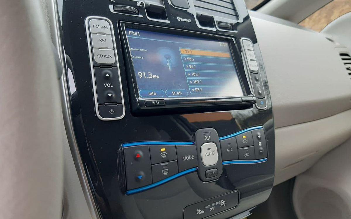 Nissan Leaf 2012 фото №9