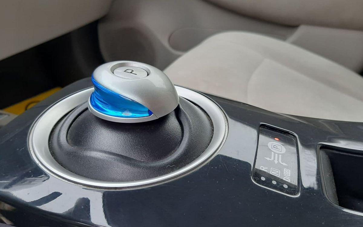 Nissan Leaf 2012 фото №10
