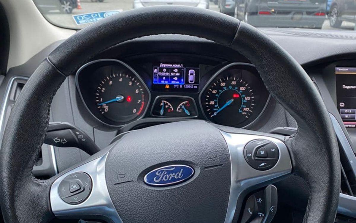 Ford Focus Titanium 2013 фото №11