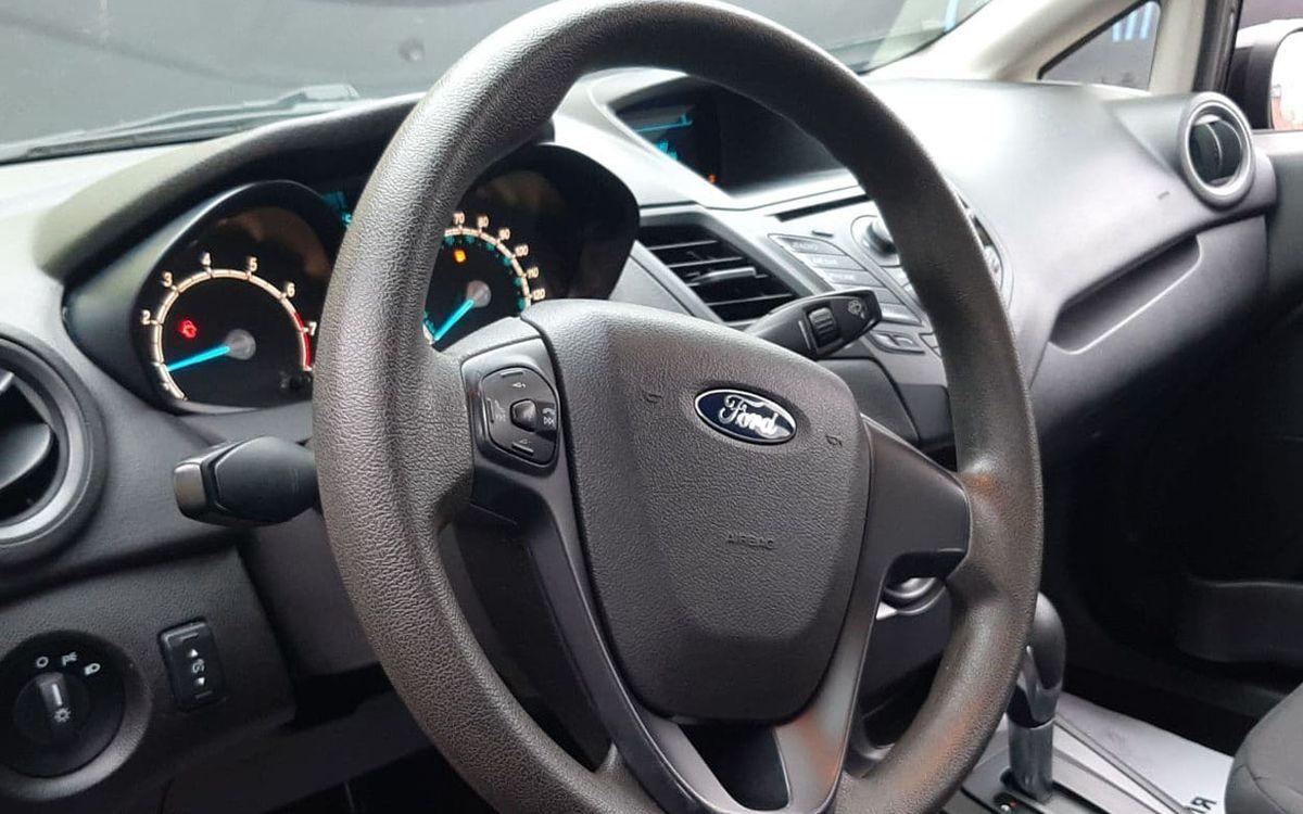 Ford Fiesta S 2014 фото №7