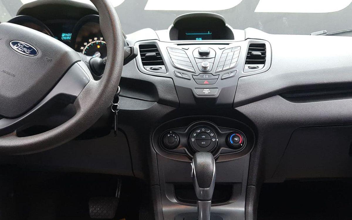 Ford Fiesta S 2014 фото №10