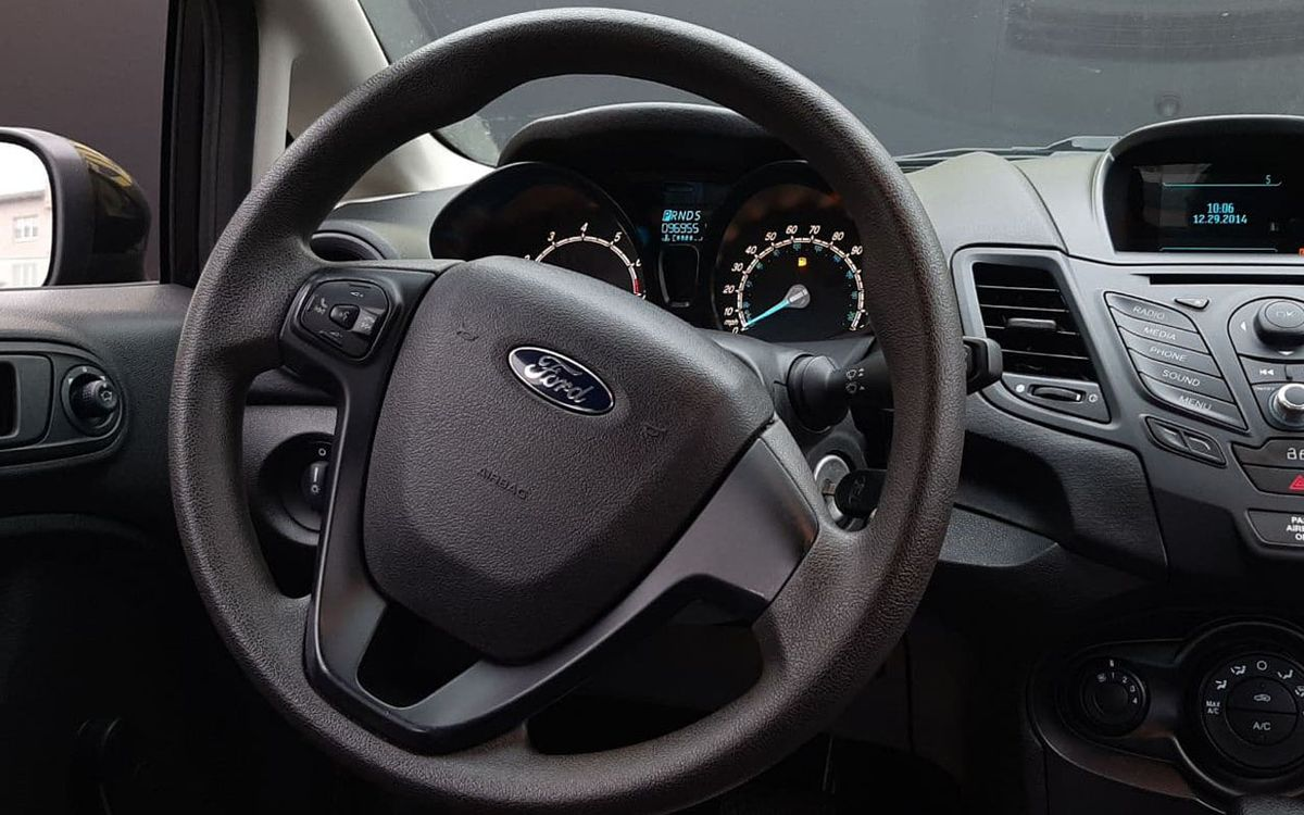 Ford Fiesta S 2014 фото №11