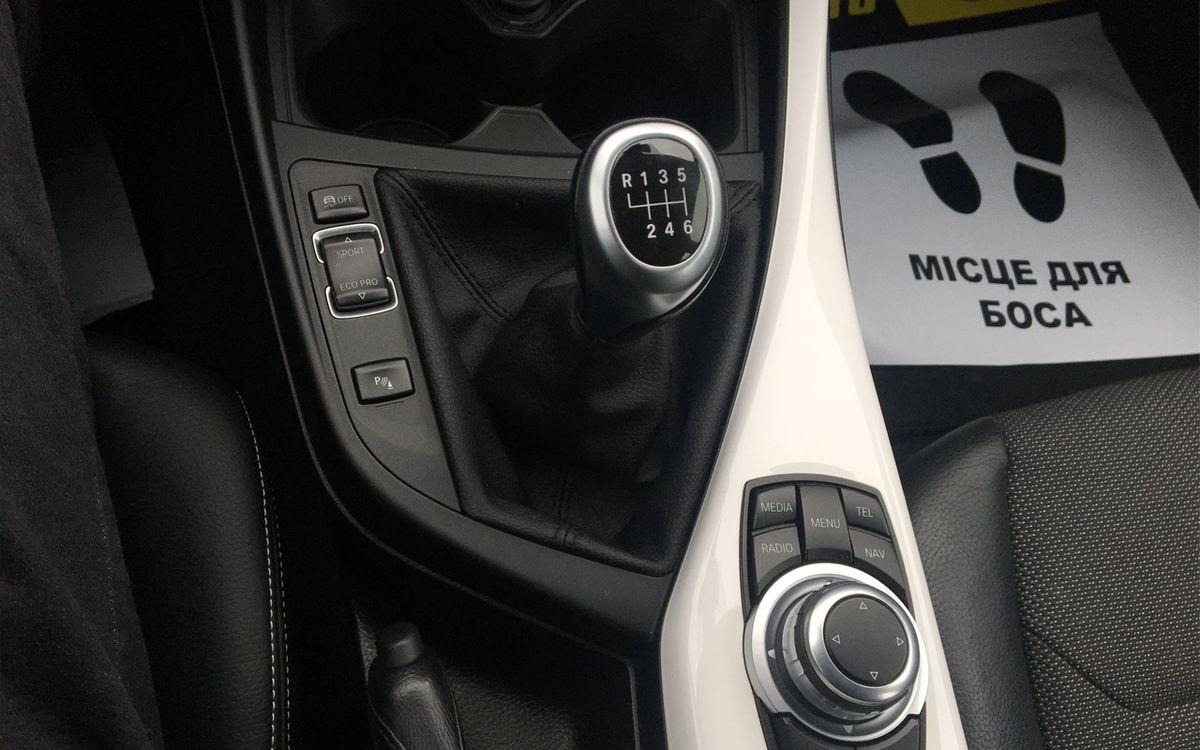 BMW 118 D 2016 фото №13