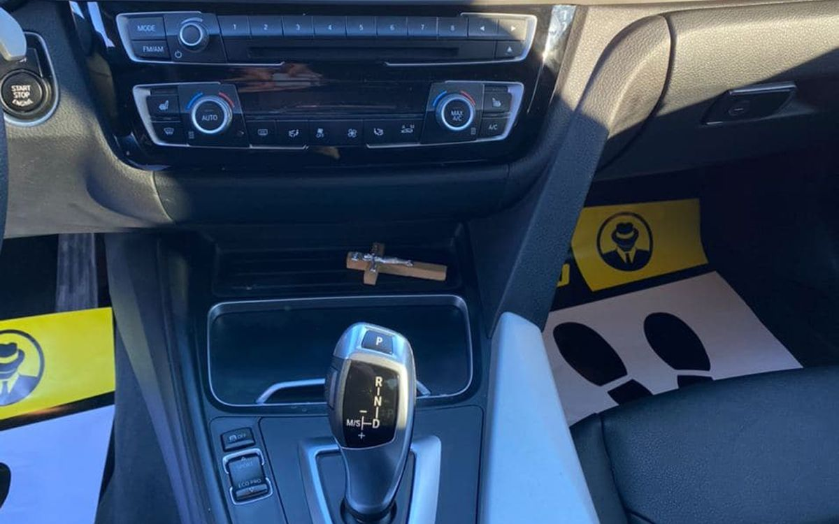 BMW 320 Xdrive 2018 фото №12