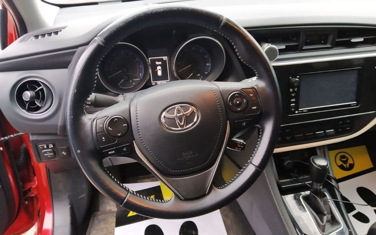 Toyota Corolla iM 2017 фото №8