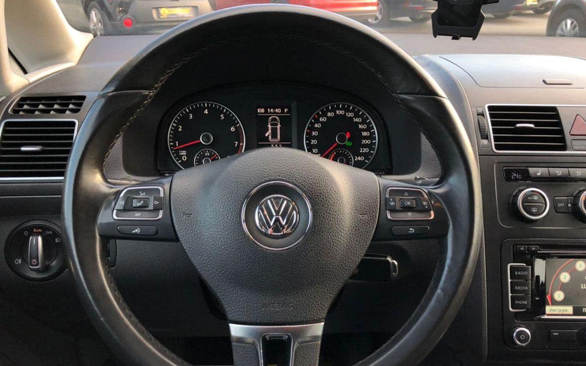 Volkswagen Touran 2014 фото №9
