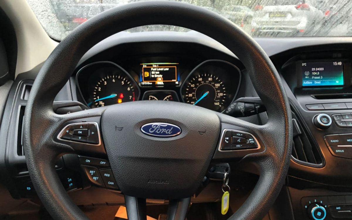 Ford Focus 2017 фото №11