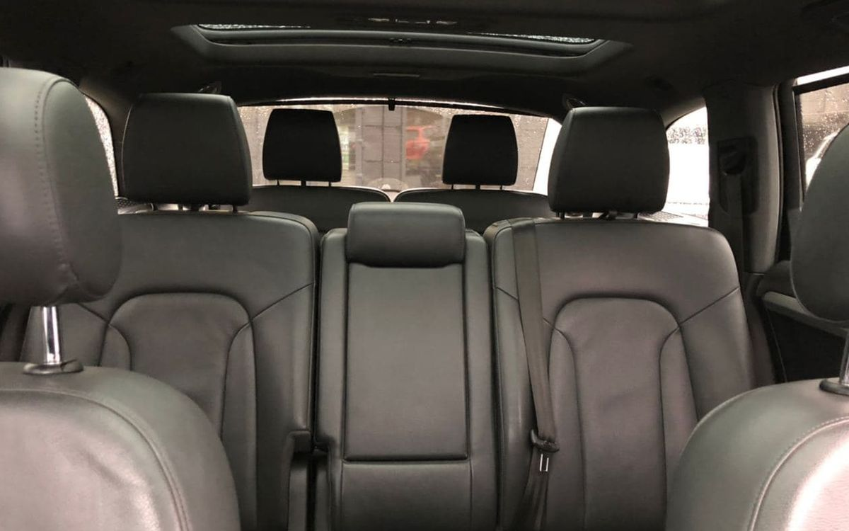 Audi Q7 2012 фото №18