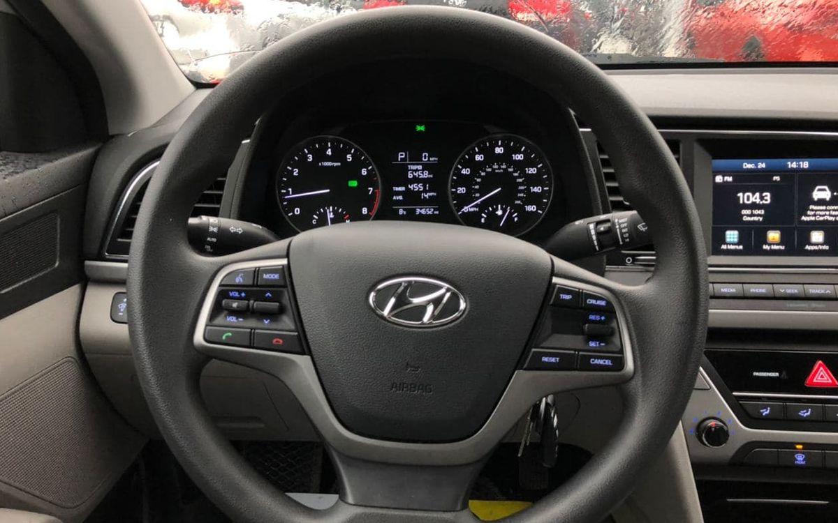 Hyundai Elantra 2016 фото №9
