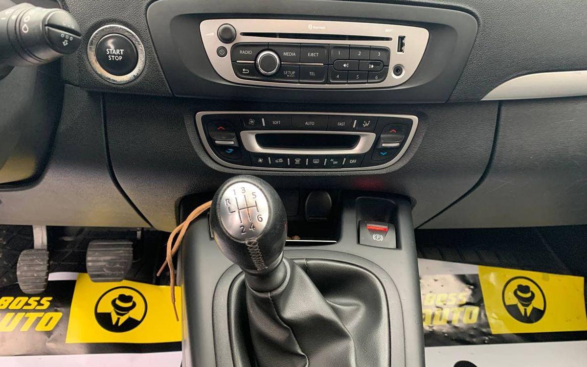 Renault Megane 2013 фото №10