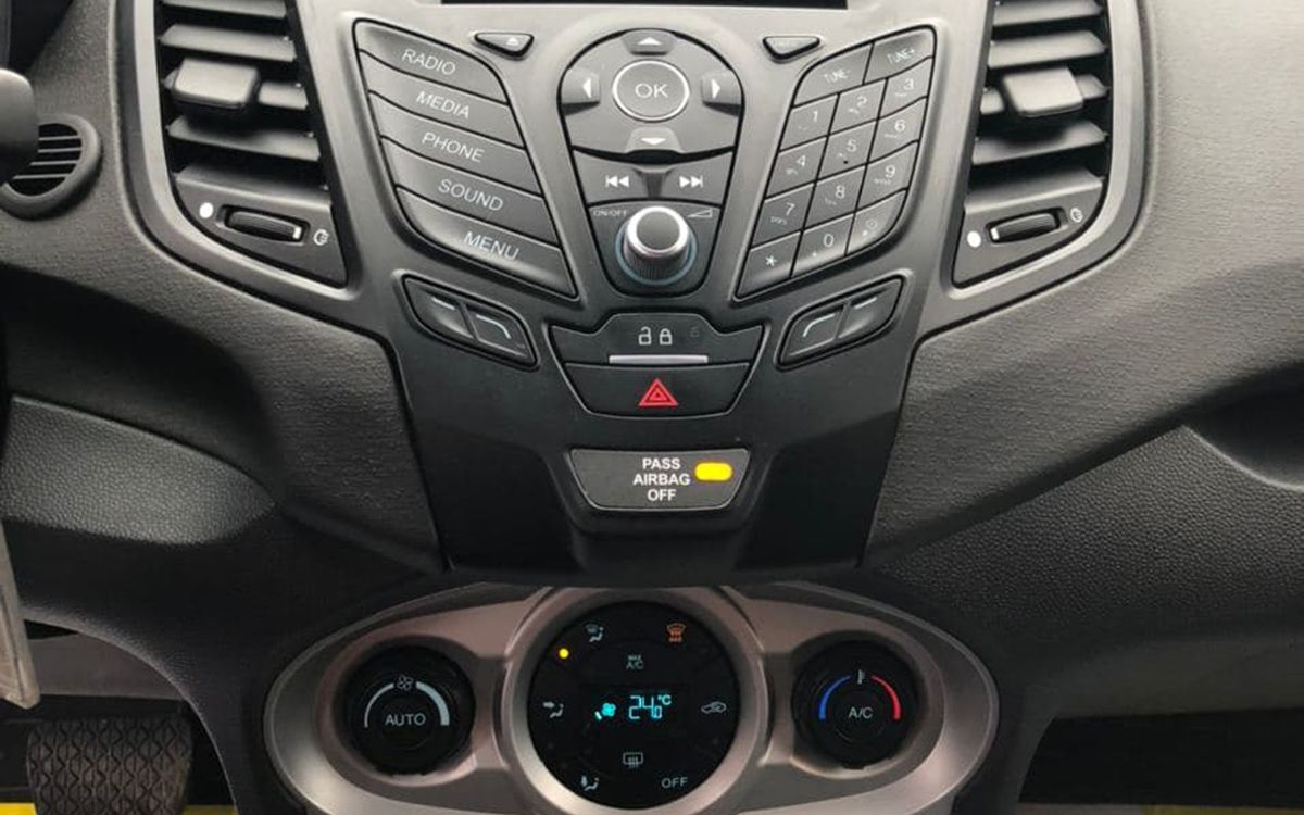Ford Fiesta 2018 фото №12