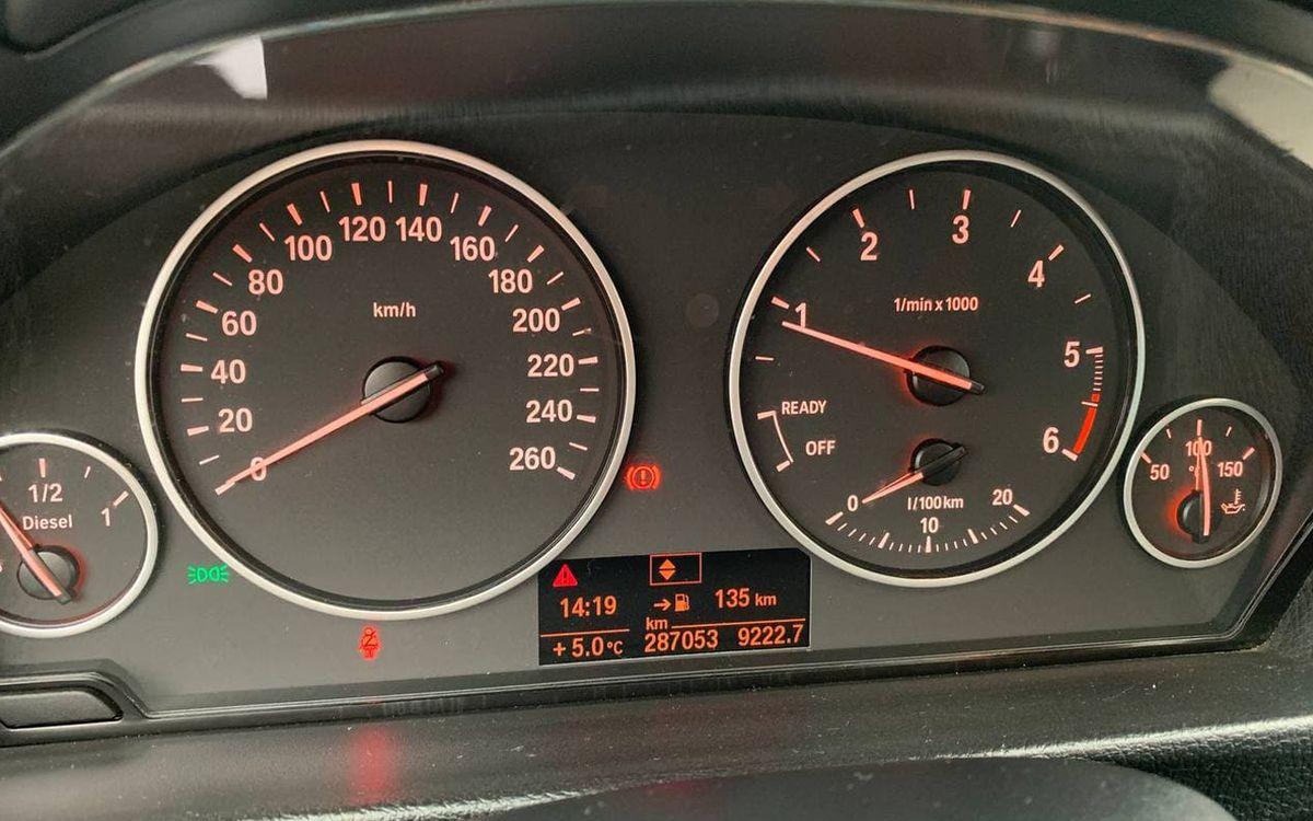 BMW 320 Gran Turismo 2013 фото №13