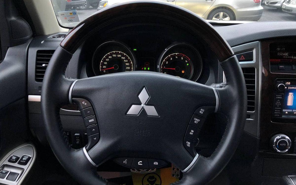 Mitsubishi Pajero 2014 фото №13