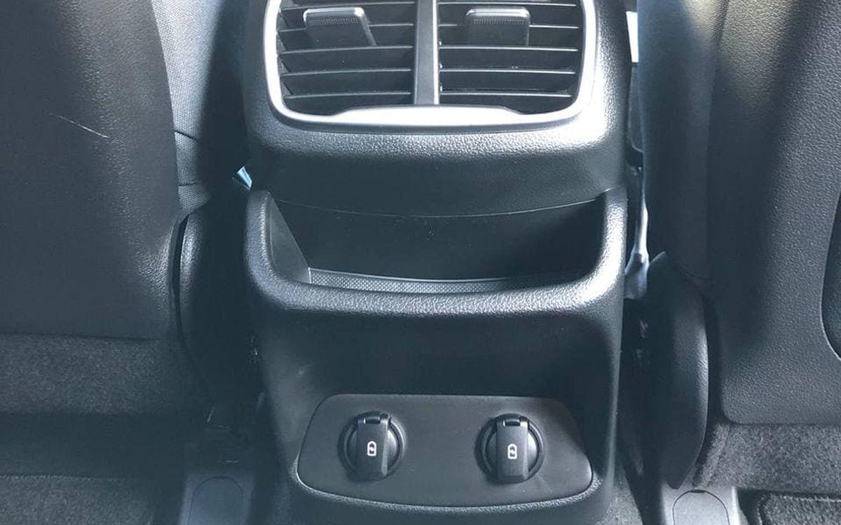 Hyundai Santa FE SE 2018 фото №13