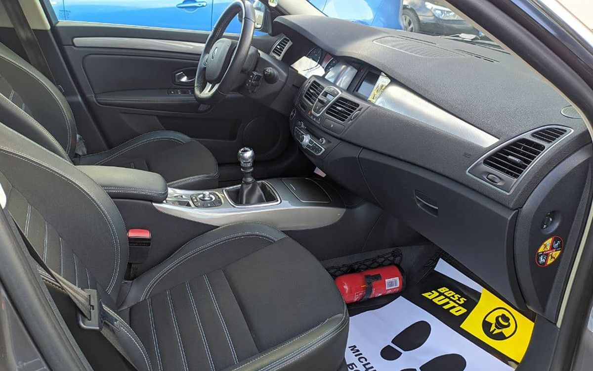 Renault Laguna 2013 фото №19