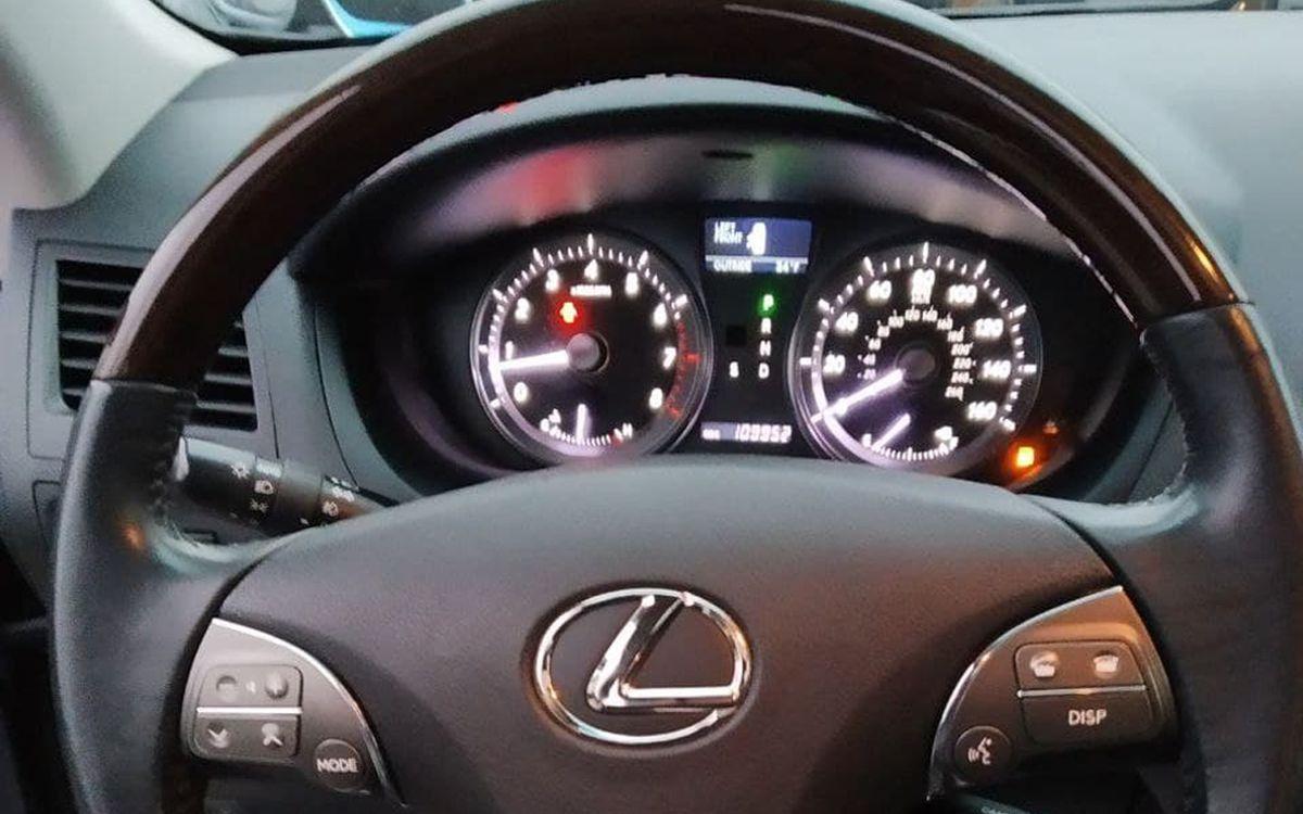 Lexus ES 350 2011 фото №10