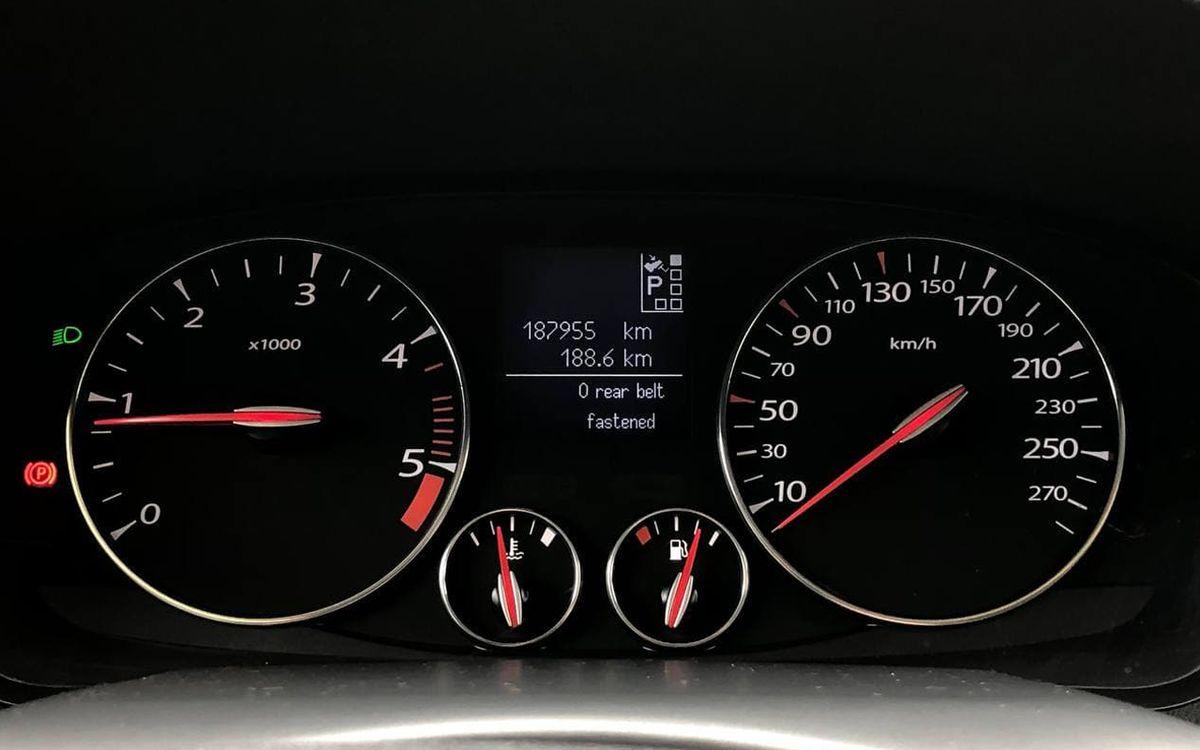 Renault Laguna 2011 фото №12