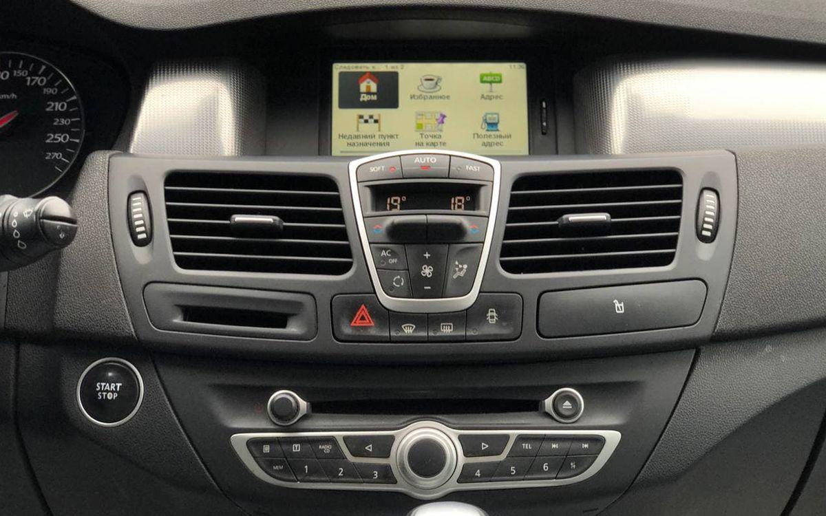 Renault Laguna 2011 фото №13