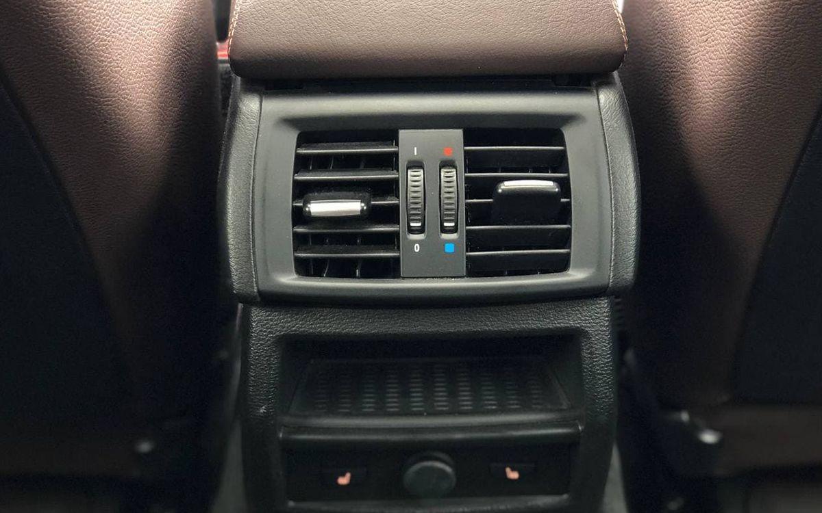 BMW X4 2016 фото №16