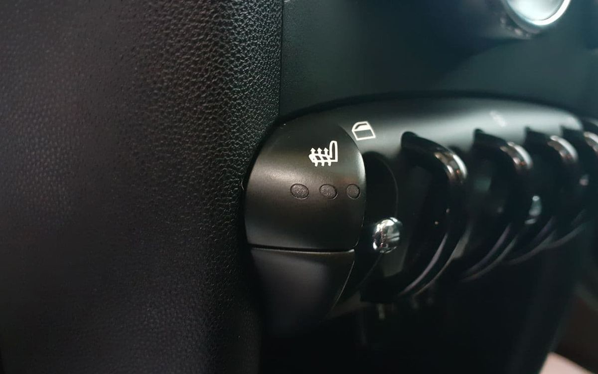 MINI Cooper HardTop 2013 фото №11