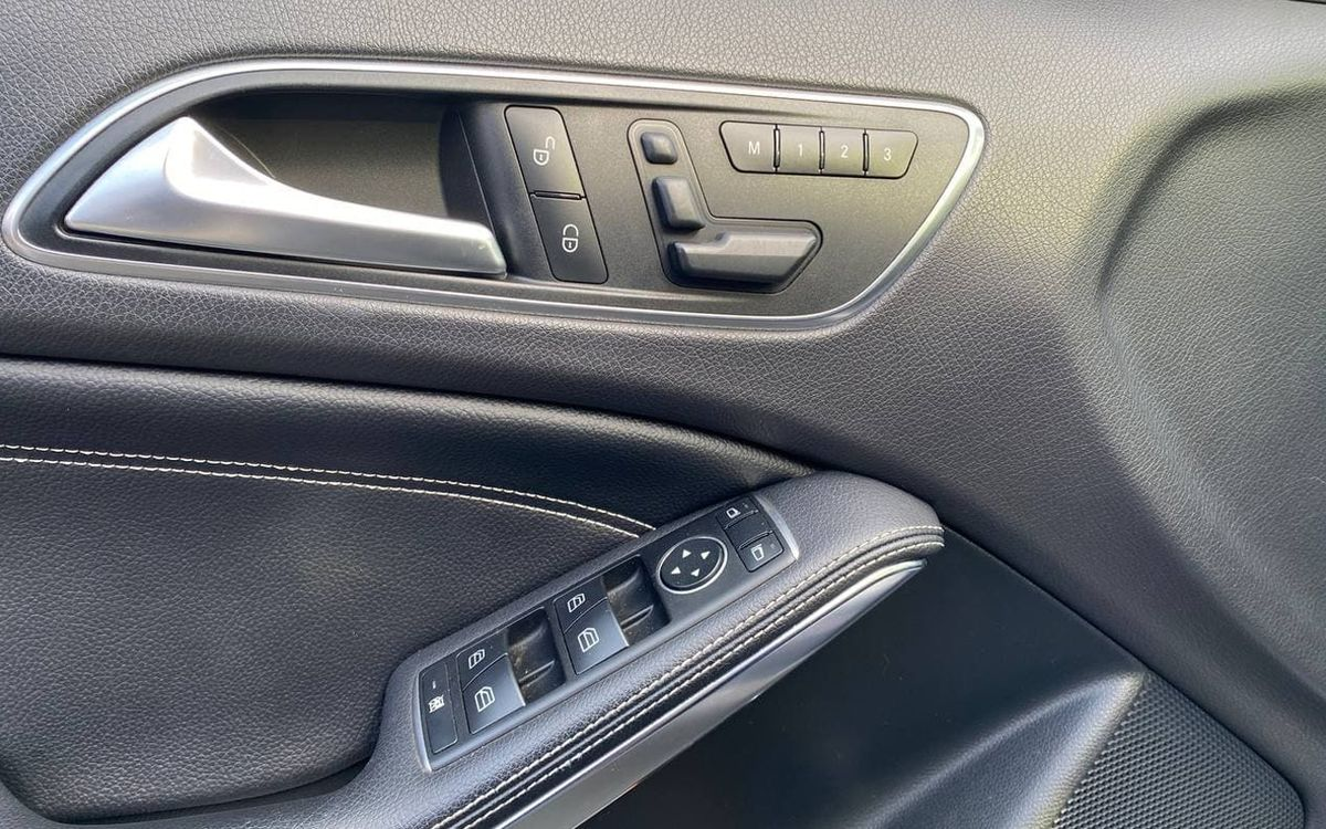 Mercedes-Benz GLA 250 2014 фото №14