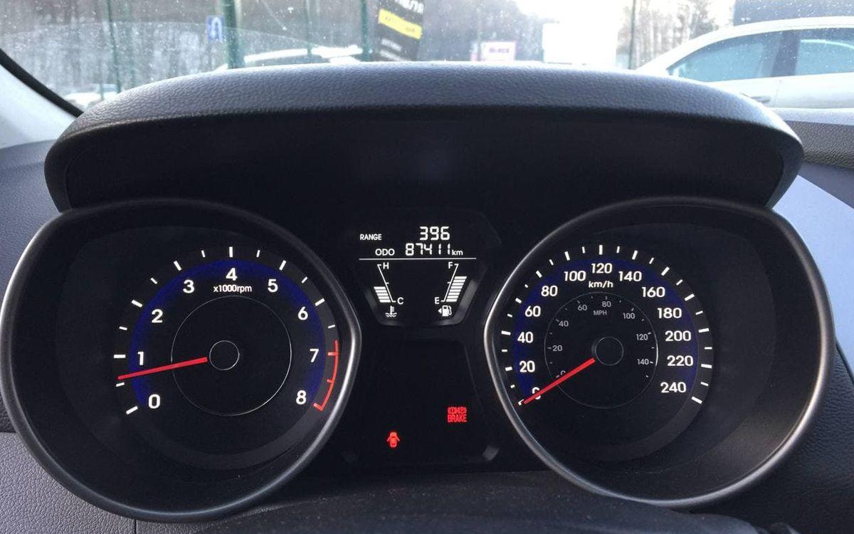 Hyundai Elantra 2013 фото №10