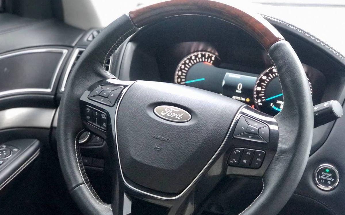 Ford Explorer Platinum 2017 фото №17