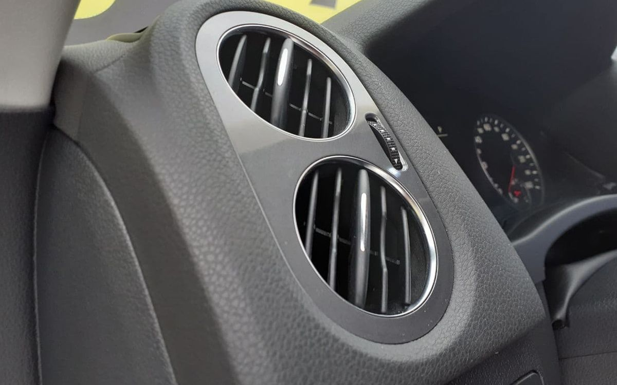 Volkswagen Tiguan SE 4Motion 2013 фото №17