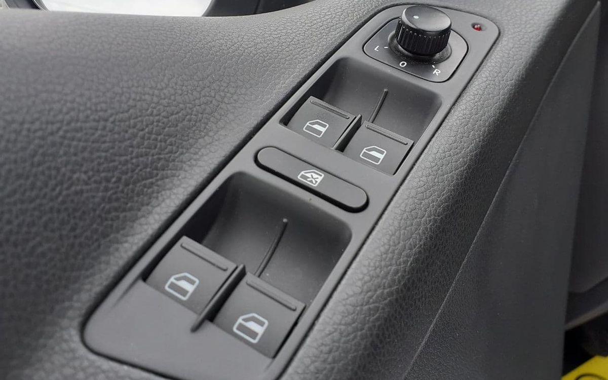 Volkswagen Tiguan SE 4Motion 2013 фото №18