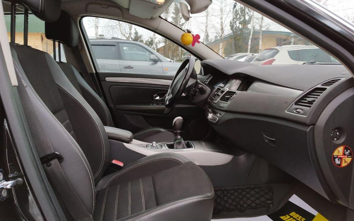 Renault Laguna 2012 фото №12