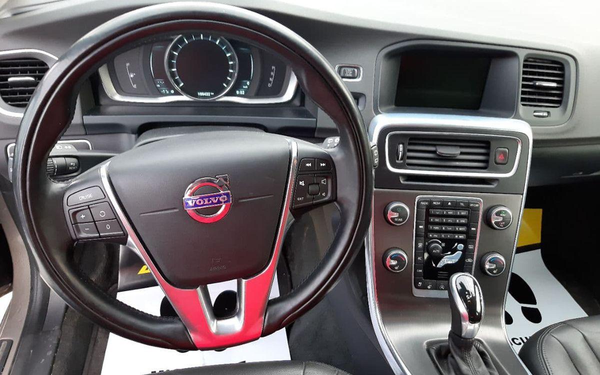 Volvo V60 Premier plus T5 2014 фото №11