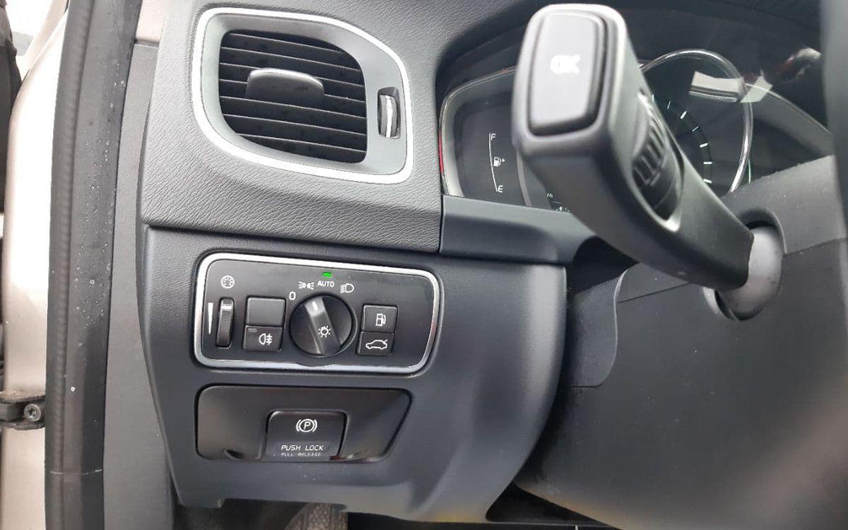 Volvo V60 Premier plus T5 2014 фото №12
