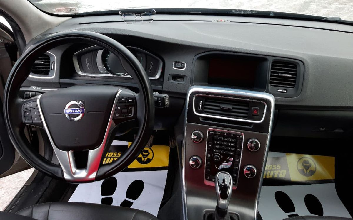 Volvo V60 Premier plus T5 2014 фото №13