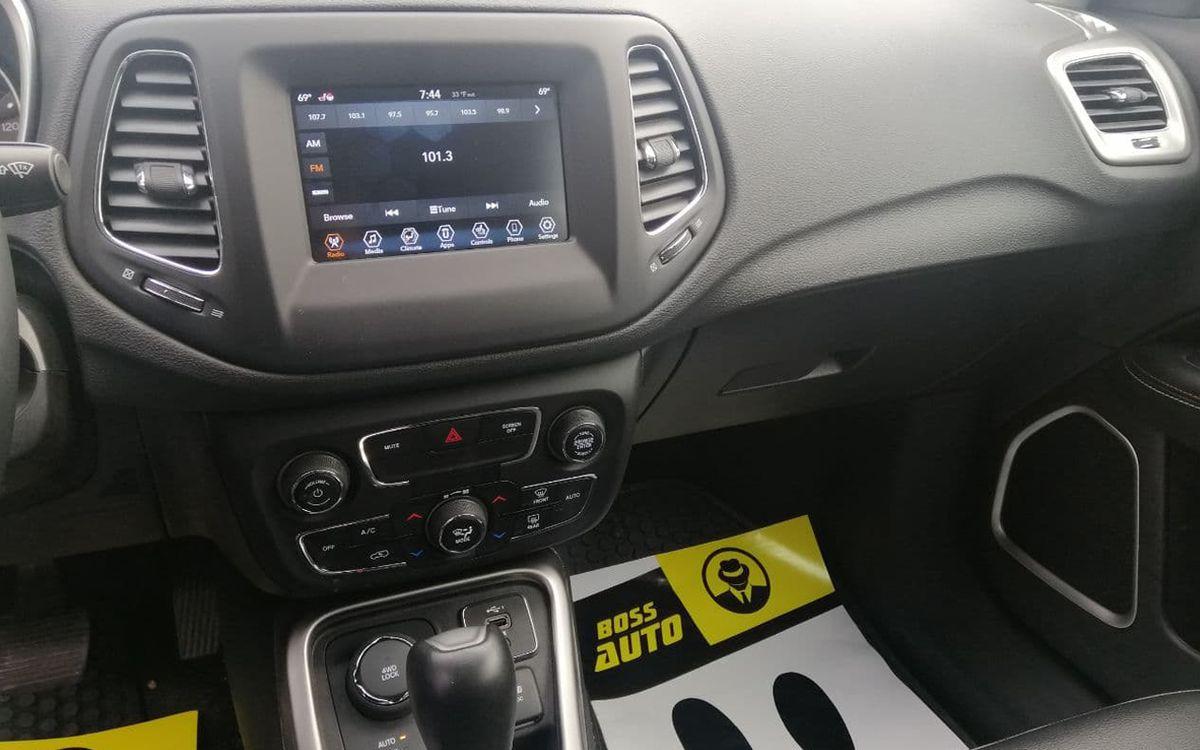 Jeep Compass 2018 фото №13