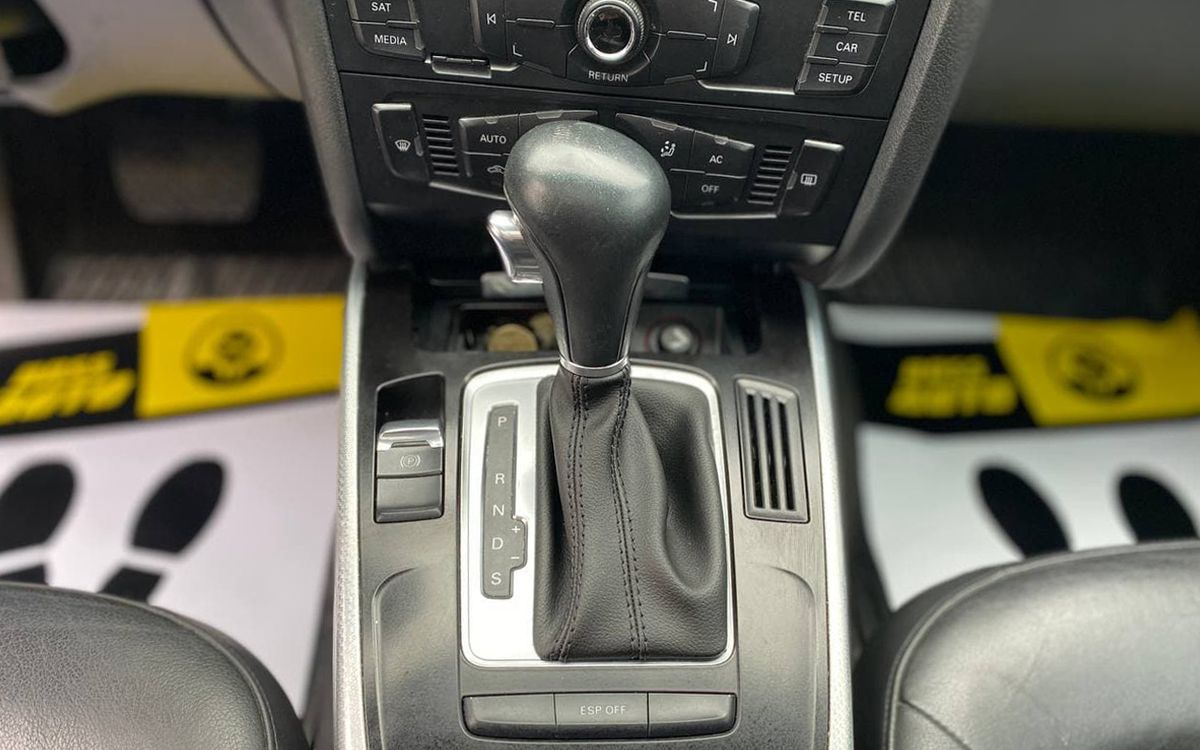 Audi A4 2009 фото №13